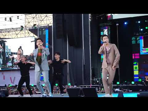 190118 EXO Chanyeol Sehun - We Young (SMTOWN In Chile)