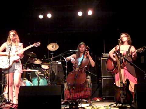 "O Mello Cello Tree - w/ Gwyn Fowler ""The Pie Song"""