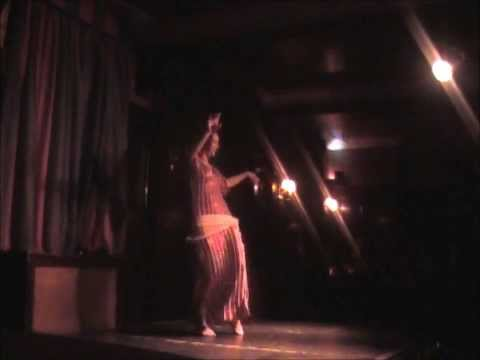 Rachel Bennett Performs Egyptian Baladi Bellydance At Silk Route Show video