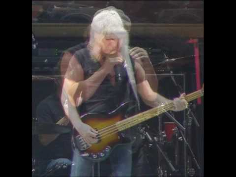 Brian Johnson and Cliff Williams- Chase That Tail