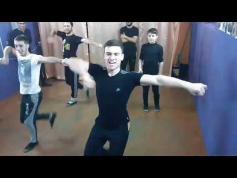 Тренировки в школе лезгинки Харькова