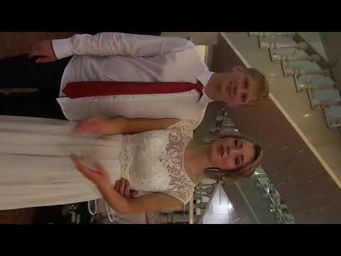 Ведущая Оксана Баженова