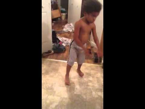 4 Year Old Fights 15 Year Old video