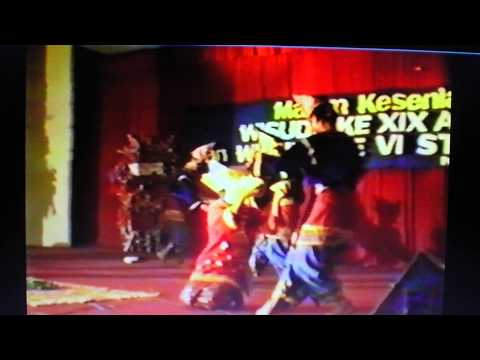 Tari Piring Di Atas Kaca- Sofyani Dance And Music Ensemble  27th September 1991 video
