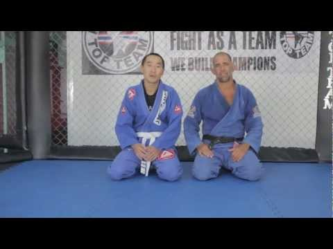 BJJ INSTRUCTIONAL : Triangle from butterfly guard with Prof. Olavo Abreu at Phuket Top Team Image 1