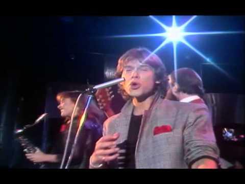 Lo Budget & The Raincoats - Saturday Night