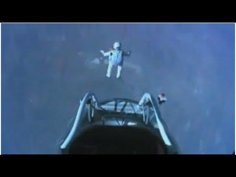 Felix Baumgartner - Freefall from edge of space! (128,000ft!) RedBull Stratos