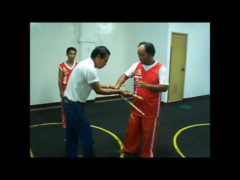 Heyrosa De Cuerdas Eskrima - GM Owit giving lessons on stick fighting and grappling Image 1