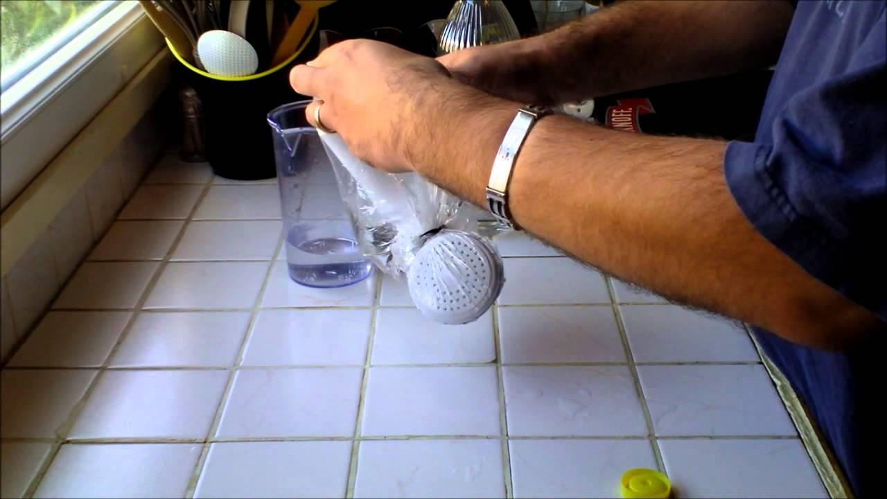 comment enlever le calcaire d 39 un pommeau de douche hd youtube. Black Bedroom Furniture Sets. Home Design Ideas
