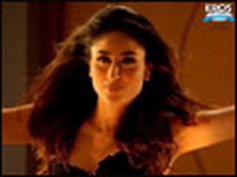 Hot n Sizzling Kareena in song Bebo promo - Kambakkht Ishq Video