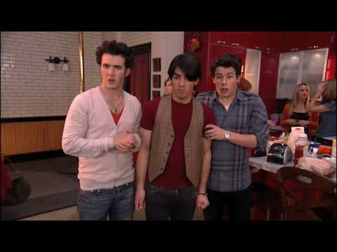 JONAS [HD] - S01EP15 - Home Not Alone (2/3)