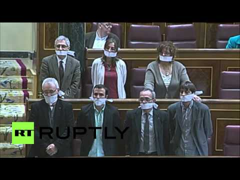 Spain: Gagged Congress members oppose 'anti-protest law'