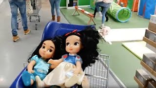 Emily Doing Shopping with dolls