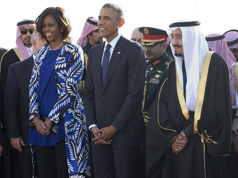 Michelle Obama Doesn't Wear Headscarf in Saudi Arabia