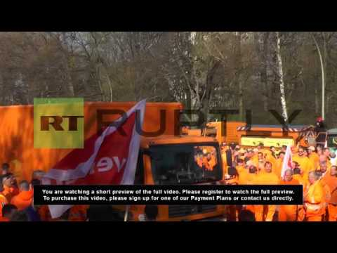 Germany: Thousands of public sector staff walk out for better pay