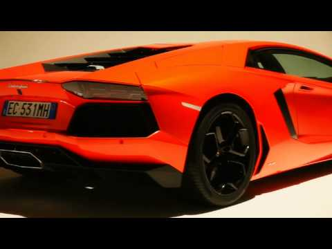 Lamborghini LP700-4 Aventador - First Glimpse
