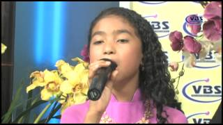 Bé Victoria Thuy Vy part 1 - ND Chris talkshow - VBS TV