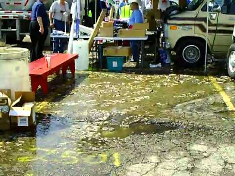 2011 Dayton Hamvention #13 - Poop Explosion Aftermath