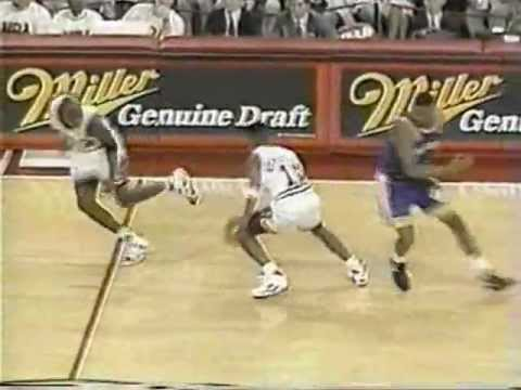 Despite Jordan's best efforts to get a W in this one, you just can't win if you keep giving Chris Mullin opportunities to shoot, even if you're the early 90's Chicago Bulls playing at home....