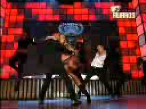 Britney Spears - Performing On Parda Parda For Once Upon A Time In Mumbai.3gp video