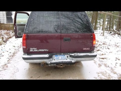 Replacing a rear turning signal light on a 1999 Suburban