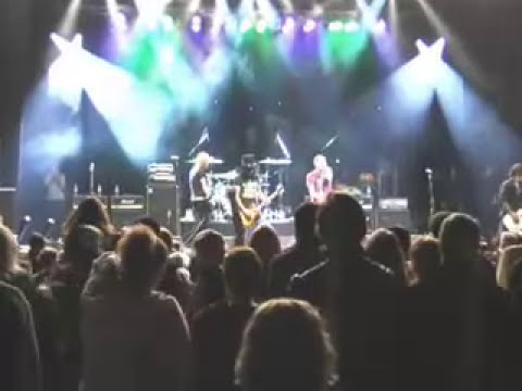 Chester Bennington, Slash, Duff McKagan ... Playing Paradise City