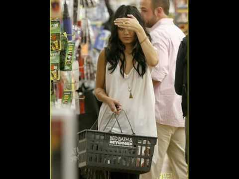 Ashley Tisdale & Vanessa Hudgens - Paparazzi Video