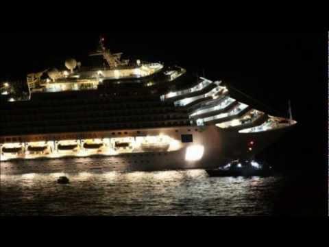 sinking Costa Concordia ( 13.01.2012 sunk in Italy )
