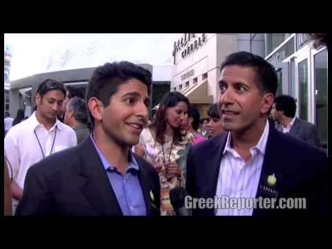 Dr. Sanjay Gupta & Suneel Gupta talk about the Kahani Movement and their best family story