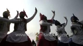Bhangra Dance : Most popular punjabi folk dance