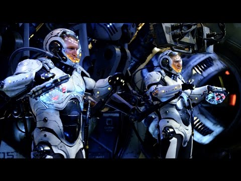 Pacific Rim: Jaeger Pilot at SDCC 2014 [HD]