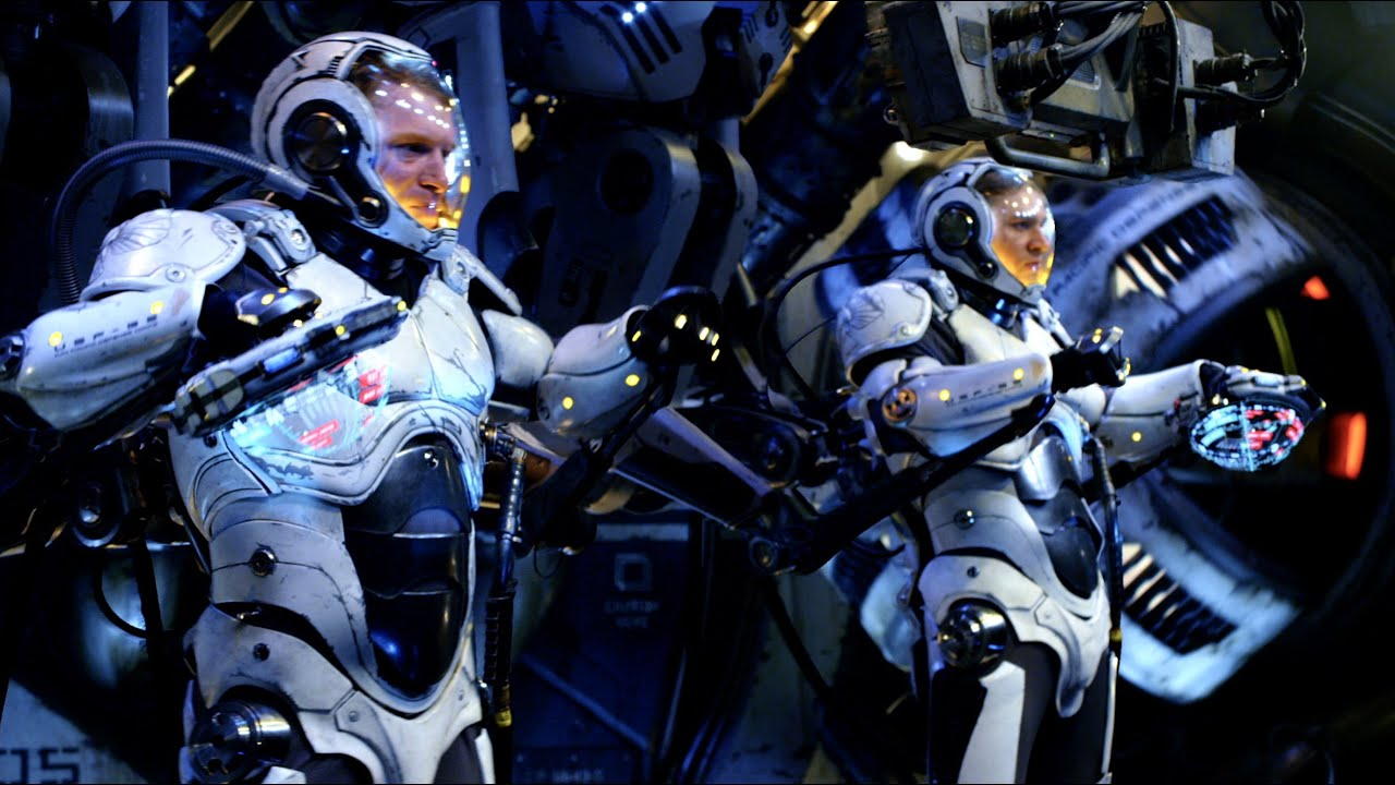 Pacific Rim: Jaeger Pilot at SDCC 2014 [HD] - YouTube