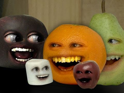 Annoying Orange - Theme Song Attack!