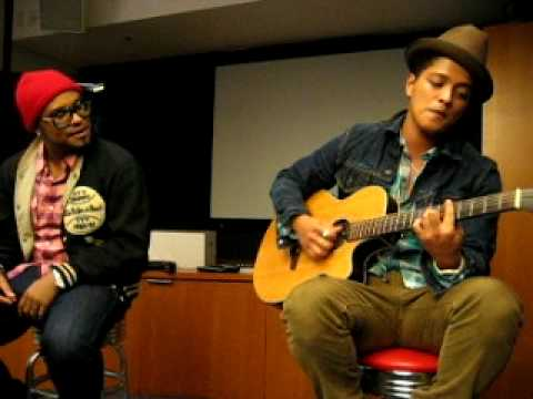 Bruno Mars - Nothin' On You (Solo Remix) (2010 Private Acoustic Live at OMD L.A.) Music Videos