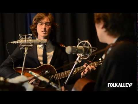 Folk Alley Sessions: The Milk Carton Kids - &quot;Honey, Honey&quot;