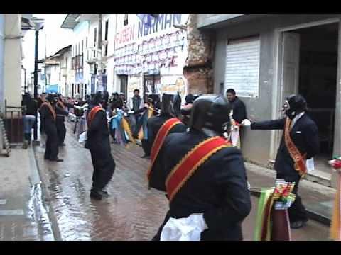 Cuadrilla de Jijas Fam. Caballero C�spedes en 'Visita'. 2010. Llata, Huamal�es, Hu�nuco, Per�.