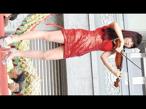 SEXY Violinist & sexiest leg in TAIWAN