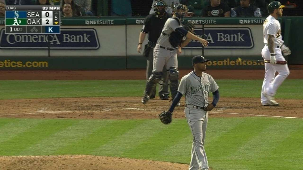 SEA@OAK: Elias strikes out Lawrie in the 5th inning