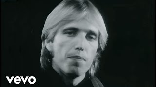 Клип Tom Petty & The Heartbreakers - A Woman In Love (It's Not Me)