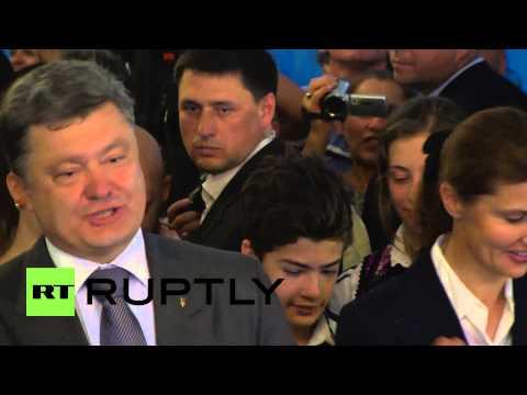 Ukraine: Poroshenko casts his vote in Kiev