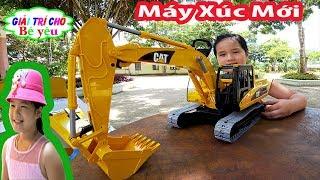 ĐỒ CHƠI MÁY XÚC ĐÀO TRỨNG | Excavator toy digging eggs | Giai tri cho Be yeu
