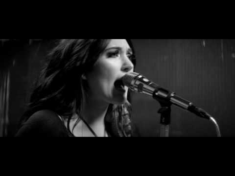 Aubrie Sellers - Sit Here And Cry (Official Music Video)