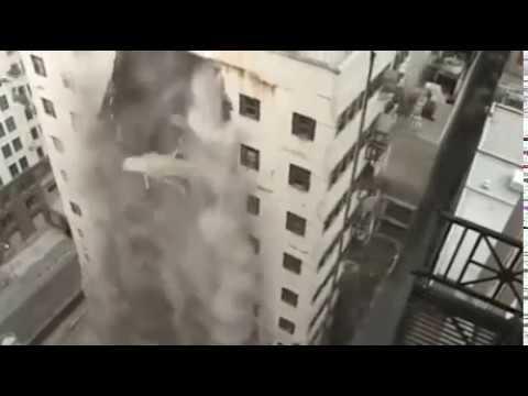 Sức mạnh khủng hiếp của dân thể hình một phát sập nhà