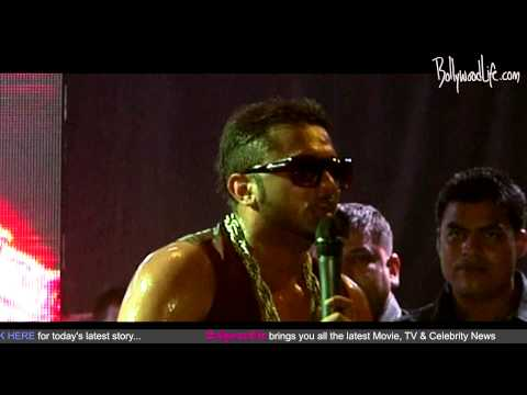 Yo Yo Honey Singh Performs With The Cast Of Go Goa Gone video