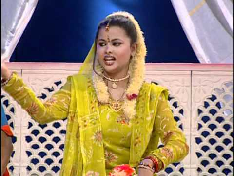 Har Ik Ko Ye Kehti Hai Makkar Mohalle Mein [full Song] Mujhe Dil De De video