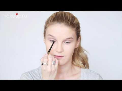 Как сделать неоготический макияж?