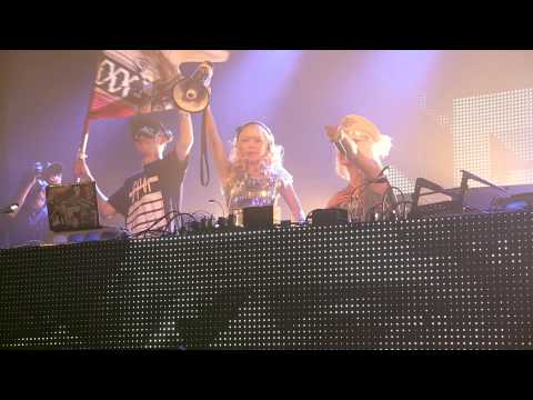 Ultra Japan 2014 - Xxx$$$ (xlii & Dj Sarasa) & Masia One video
