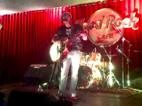 Aditya Jassi covers Euphorias Maaeri at Hard Rock Cafe
