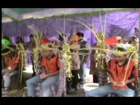 Tradisi Kelulusan dengan Mandi Kembang