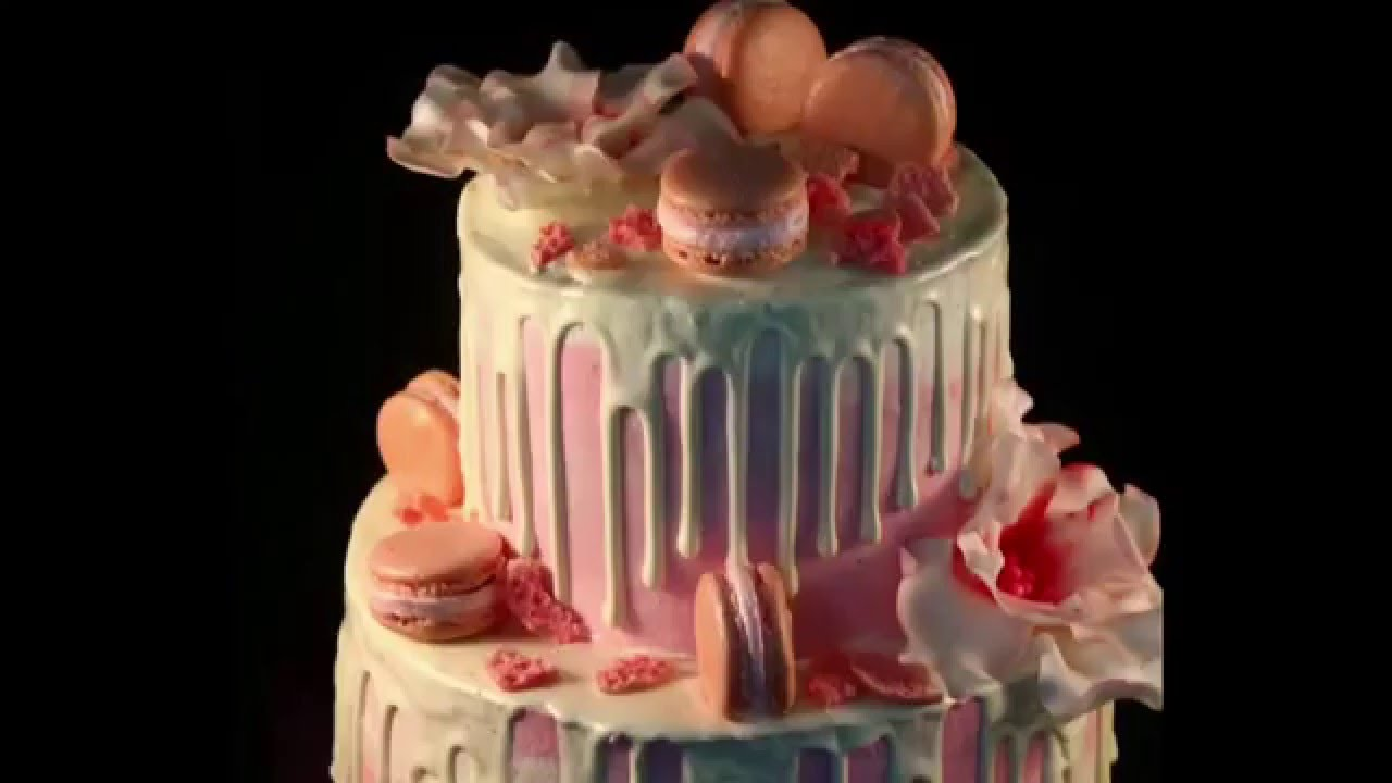 Торты с подтеками в розовом